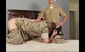 Sesso orale e anale tra un soldato e un marinaio