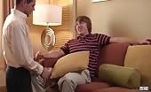 Bisessuale biondo adora il culetto