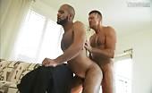 Due maschi ci fanno vedere una bella scopata