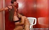 Pompinaro biondo adora il sesso orale
