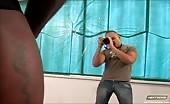 Fotografo latino sbava sul cazzo di un nero